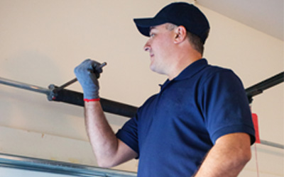 Warning Signs That the Garage Door Is Not Installed Properly