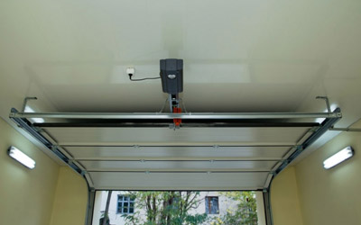Manual Vs Automatic Garage Door: Which Should You Prefer?