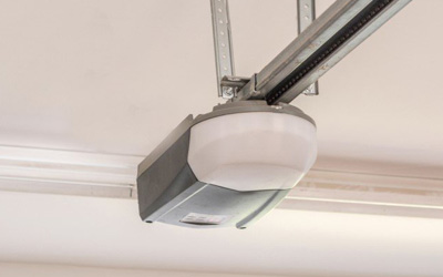 5 Reasons To Replace Your Old Electric Garage Door Opener